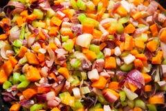 Condimenta la cocina Zanahorias, apio, cebolla, ajo y tocino fotografía de archivo
