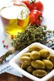 condiments бутылки смазывают оливку Стоковые Фотографии RF