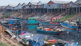Conditions de vie antihygiéniques sur la sève de Tonle de lac Photo stock