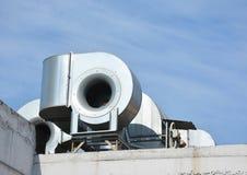 Condizionamento industriale e sistemi di ventilazione Sistema di ventilazione fotografia stock libera da diritti