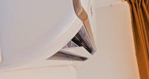 Condizionatore d'aria che raffredda energia fresca di risparmio del sistema archivi video