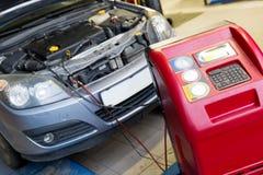 Condizionatore d'aria d'assistenza dell'automobile Immagini Stock