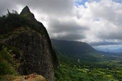 condizione della sosta di pali di nuuanu o dell'Hawai di ahu Fotografie Stock