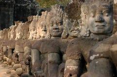 Condizione sul ponticello a Angkor Thom Fotografia Stock Libera da Diritti