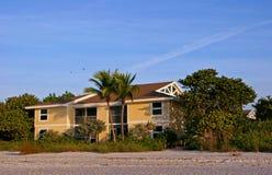 Condomínio da praia do Oceanfront fotos de stock