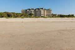 Condomínios da vista para o mar Foto de Stock Royalty Free