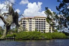 Condomínios do luxo de Florida Fotografia de Stock Royalty Free