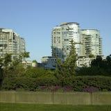 Condomínios e parque Fotografia de Stock