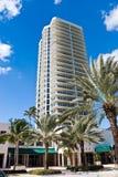 Condomínios luxuosos em Miami Beach, Florida Waterf Fotos de Stock