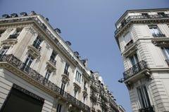 Condomínios luxuosos - Paris Fotos de Stock Royalty Free
