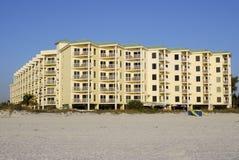 Condominio fronte della spiaggia Fotografia Stock