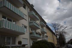 Condominio a Monaco di Baviera, affittato, vivente, idillio Immagini Stock
