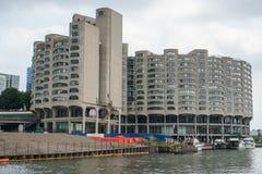 Condominios Chicago de la ciudad del río imagenes de archivo