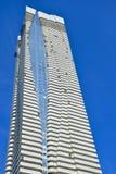 Condominium ayant beaucoup d'étages de luxe du ` s de Toronto le plus nouveau Images stock