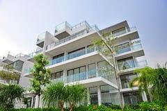 Condominium de luxe et moderne Images stock