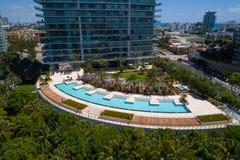 Condominium du sud de plage d'apogée image libre de droits