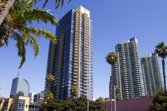 Condominiums modernes américains et construction au détail Images libres de droits