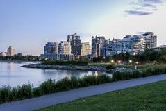 Condominum byggnad på etobicoke Toronto Royaltyfri Foto