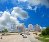 Condução ao longo do de um estado a outro a Cincinnati Ohio Fotos de Stock Royalty Free