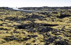 Condução através da Islândia Lava Fields Fotografia de Stock Royalty Free