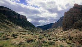 Condução através das montanhas do Big Horn Foto de Stock Royalty Free