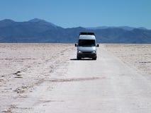 Condução através dos Salinas Grandes Fotografia de Stock