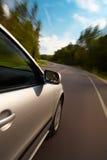 Condução de carro rapidamente foto de stock