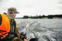 Condução do barco foto de stock