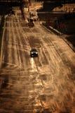 Condução em uma estrada tormentoso na chuva Fotografia de Stock