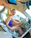 Condução loura da mulher Fotos de Stock