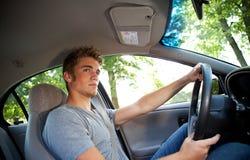 Condução: Motorista Paying Attention à estrada fotografia de stock royalty free