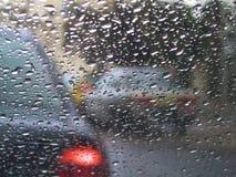 Condução na chuva Fotografia de Stock