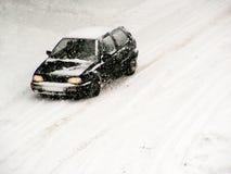 Condução na neve 2 Imagens de Stock