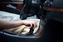 Conduca un'automobile Fotografia Stock