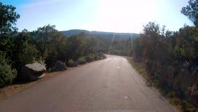 Conducción abajo del camino en Córcega metrajes