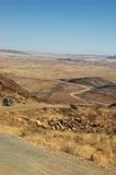 Conducción abajo del paso del desierto Foto de archivo