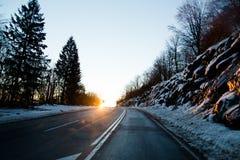 Conducción a casa para la Navidad Imágenes de archivo libres de regalías