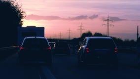 Conducción de automóviles personal de la perspectiva del POV del conductor en la carretera del Autobahn metrajes