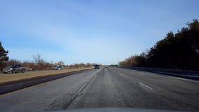 Conducción de la carretera en d3ia Conductor Point of View POV de la autopista o autopista o autopista o autopista sin peaje almacen de video