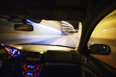 Conducción de la noche de la ciudad Imagen de archivo libre de regalías
