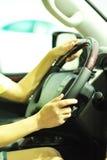 Conducción en coche Fotos de archivo libres de regalías