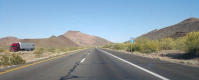 Conducción en Interstate-10 imágenes de archivo libres de regalías