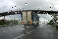 Conducción en la lluvia IV fotografía de archivo