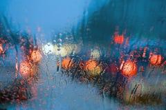 Conducción en lluvia Imagen de archivo libre de regalías