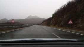 Conducción en lluvia almacen de video