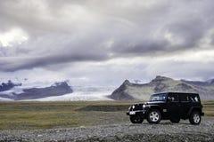 Conducción a través de Islandia Foto de archivo libre de regalías
