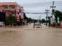 Conducción a través de la inundación Foto de archivo