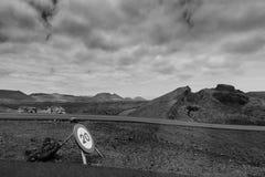 Conducción a través de la isla volcánica Imagen de archivo libre de regalías