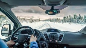 Conducción a través de un bosque Fotos de archivo