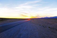 Conducción a través de Sahara Desert Morocco Foto de archivo libre de regalías
